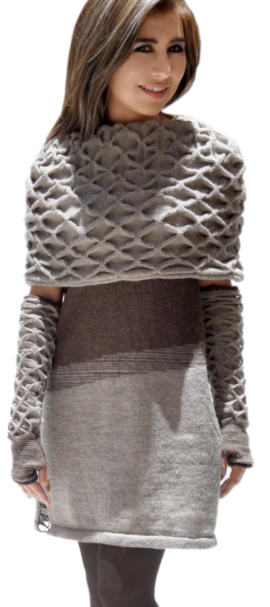 winterkleid mit riesenkragen reine alpakawolle. Black Bedroom Furniture Sets. Home Design Ideas